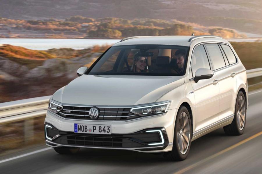 Volkswagen Passat Elegance lízing